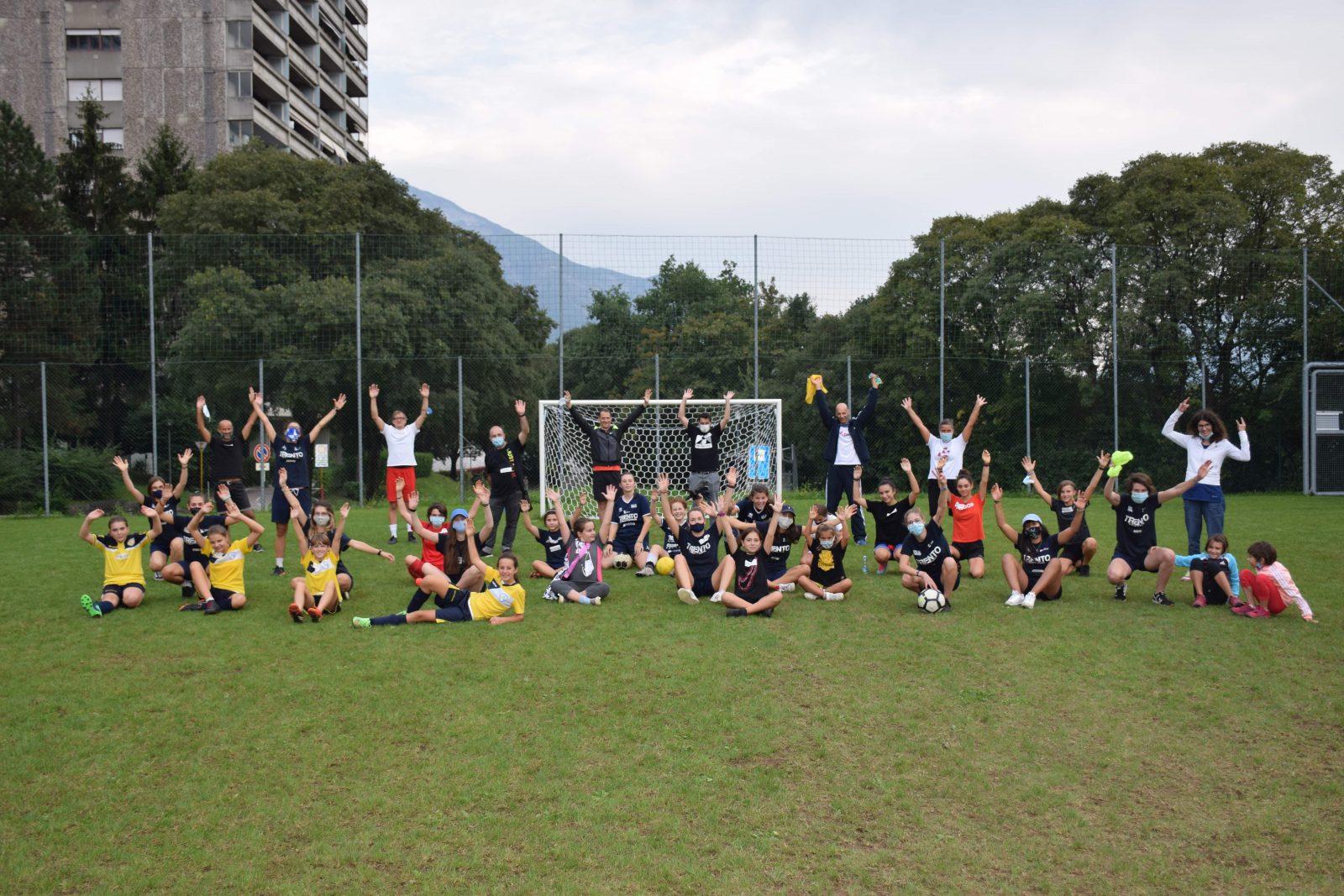 Foto di gruppo_Calcio: un gioco da ragazze2