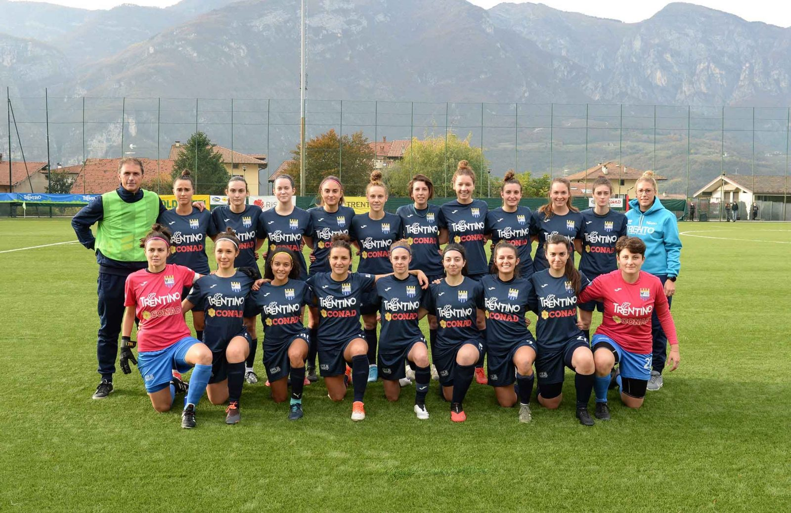 Trento Calcio Femminile_foto di squadra