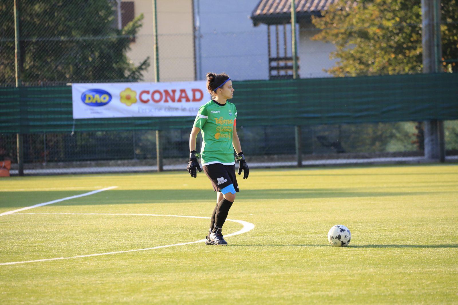 Chiara Valzolgher in campo per il Trento Calcio Femminile