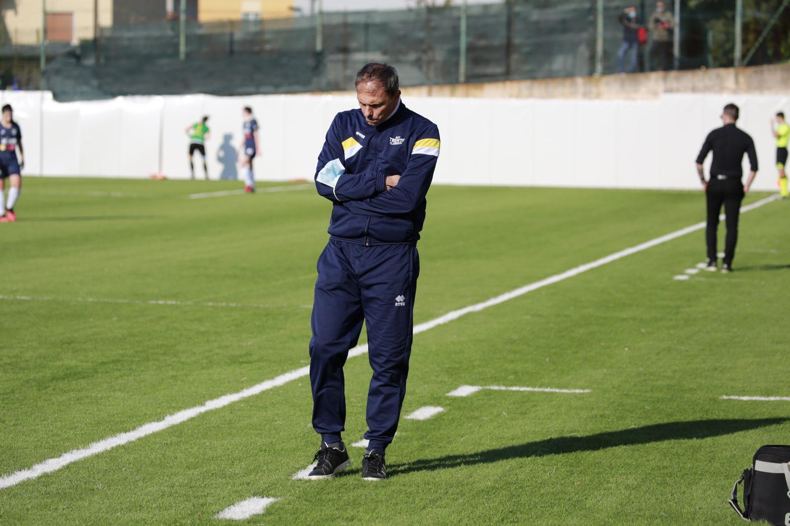 MIster Massimo Spagnolli durante una partita del Trento Calcio Femminile